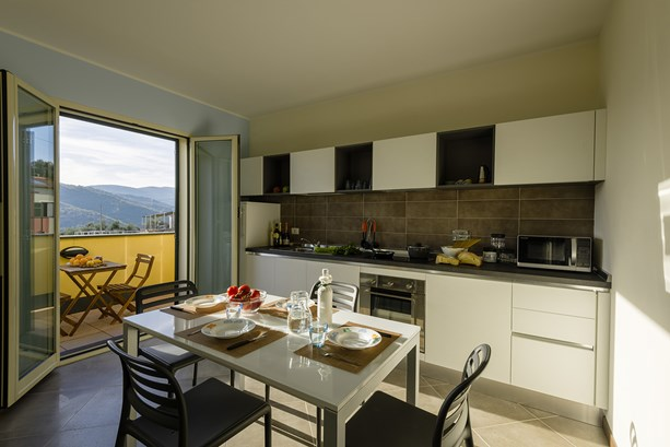 LigurianSea Vacation Rentals Apartment, Trionfo del Mare in Civezza